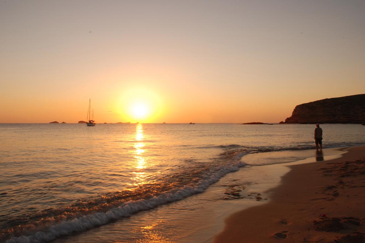Platges de Comte. Foto: Fundación de Promoción Turística de Ibiza.