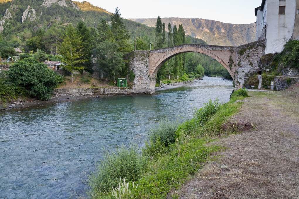 El descenso del río Noguera Pallaresa, para principiantes y expertos. Foto: Shutterstock.