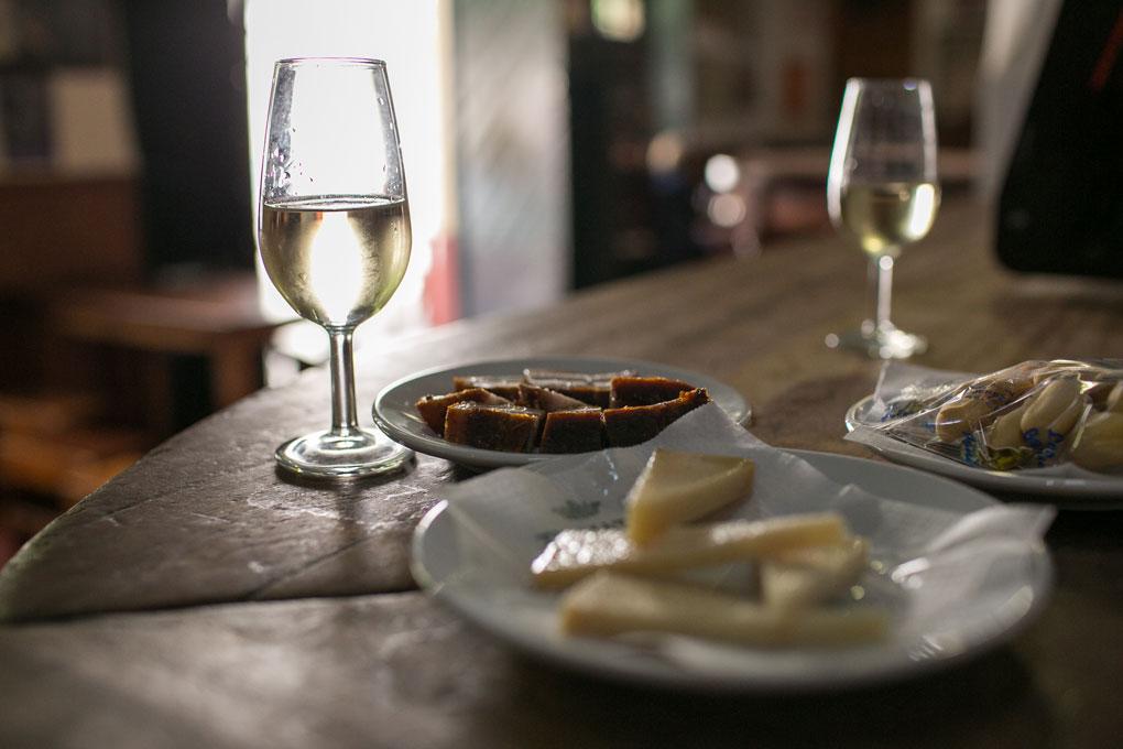 Chicharrones y queso viejo, unas tapas para repetir.