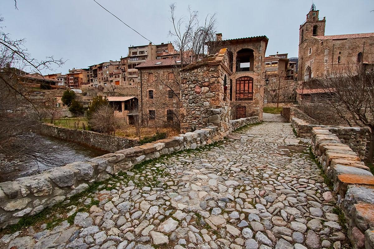 El pueblo de Bagà es uno de los destinos más frecuentados para recoger setas en esta zona. Foto: Shutterstock.