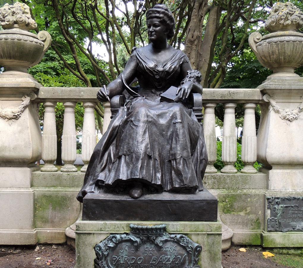 Estatua de la Marquesa de Pardo Bazán en Coruña. Foto: José Luis Cernadas. Flickr.