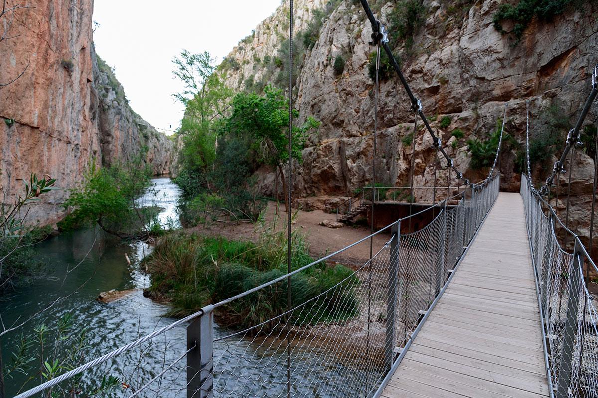 Los puentes de Chulilla, aunque largos, son seguros para todos.