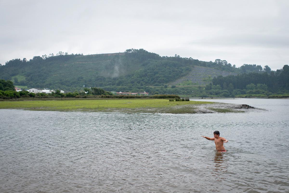 El Sable, nombre de la ría del Nansa, es perfecto para nadar. Foto: Sofía Moro.