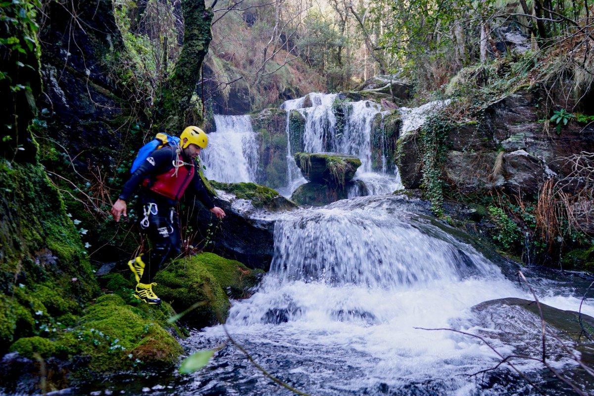 Ruta por los saltos de agua de río Frío.