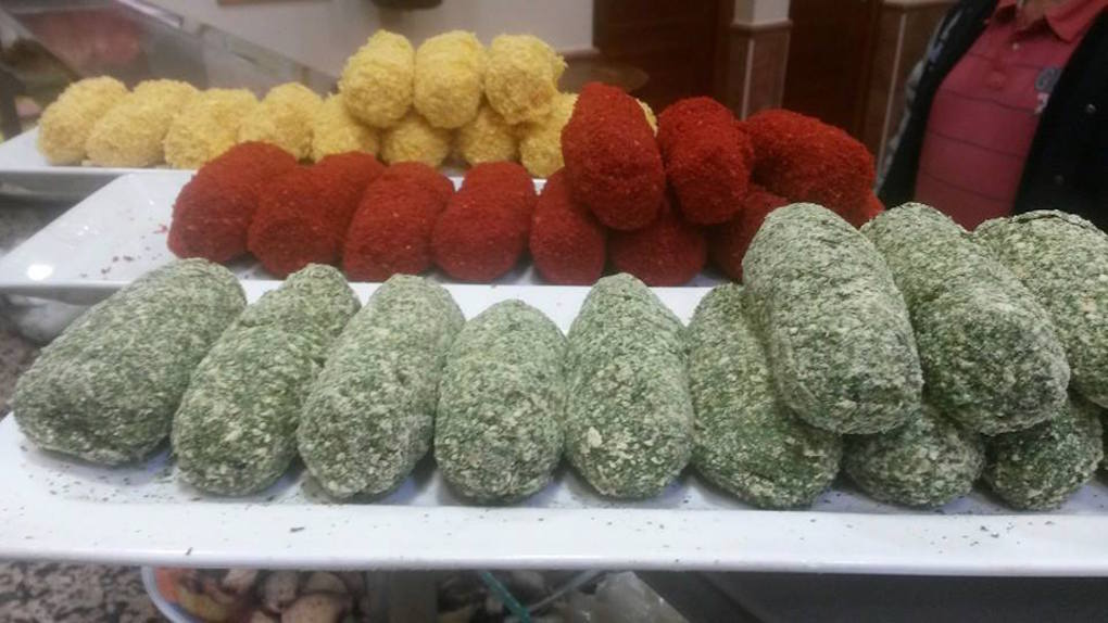 Las croquetas de ternasco, bacalao y sesos típicas de Cervino. Foto: Facebook.