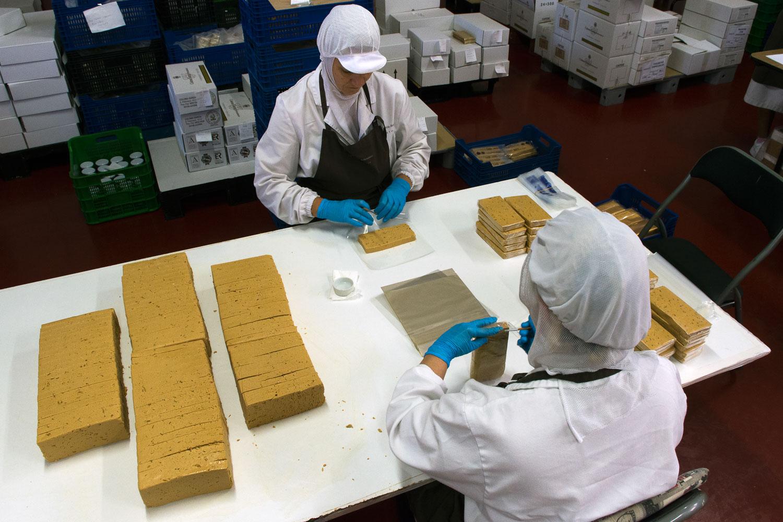 El empaquetado es la última fase del proceso artesanal.