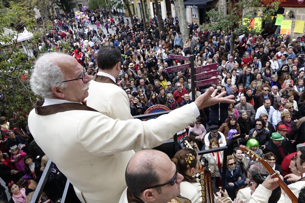 Un coro de carnaval, desde la batea. Foto: Manuel Fernández.