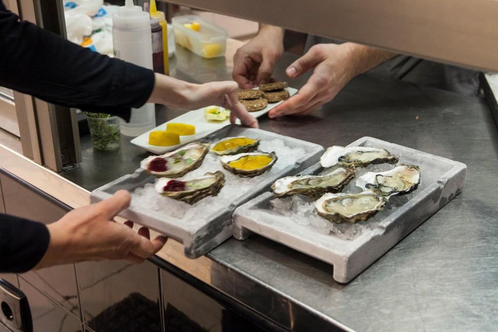 La ostra siempre en los retos del chef Calleja. Annua era una vieja ostrería y hoy mantiene el criadero.