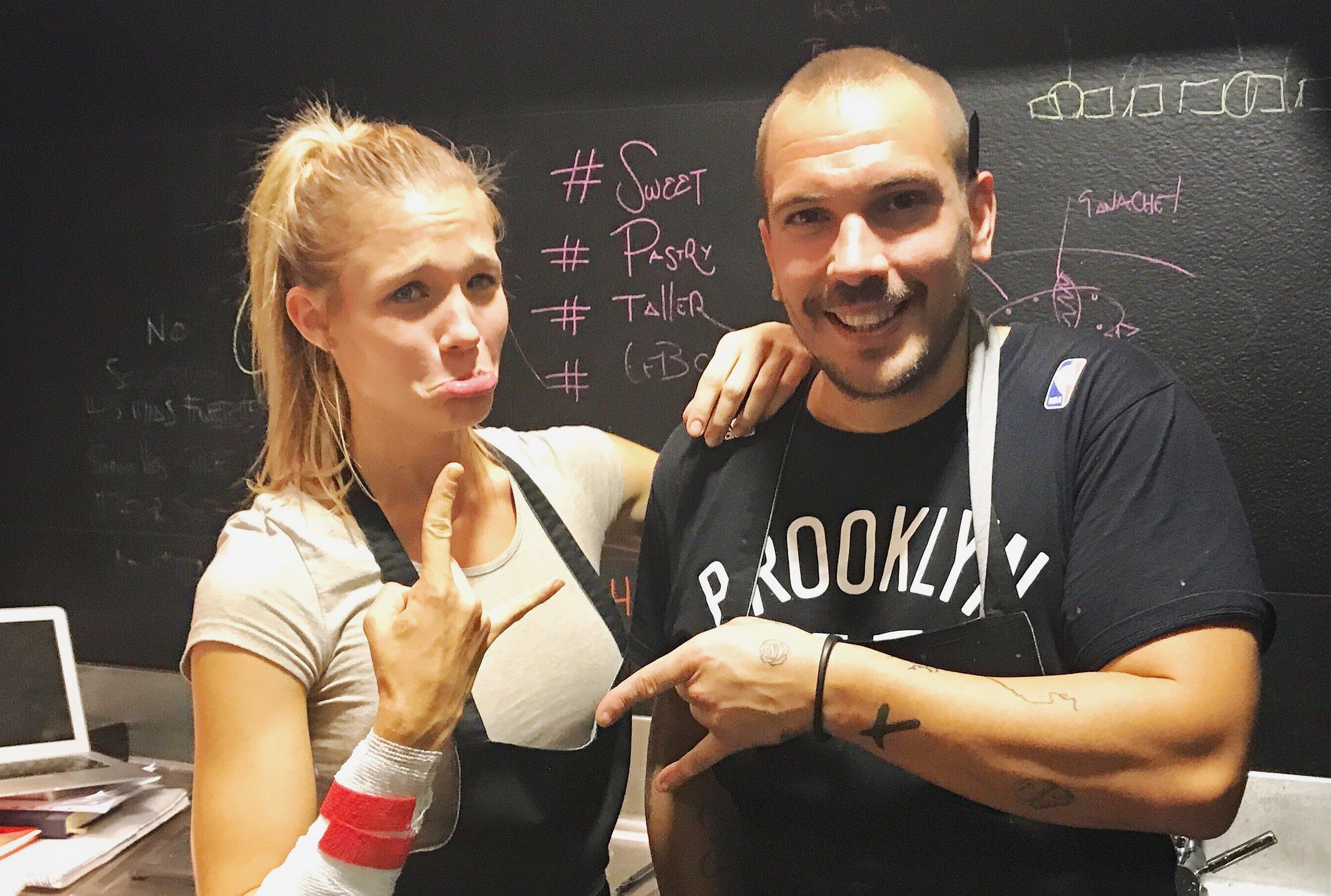 Junto a su amigo Aurelio Morales, chef de 'Cebo Madrid'.