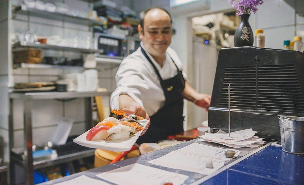 Juan Bautista, cocinero y propietario de 'Rocío Tapas & Sushi'