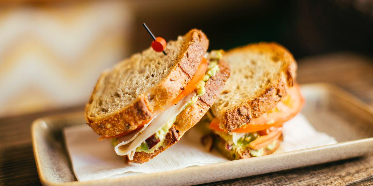 El sándwich de pata de cerdo con pan de campaña que todos piden.