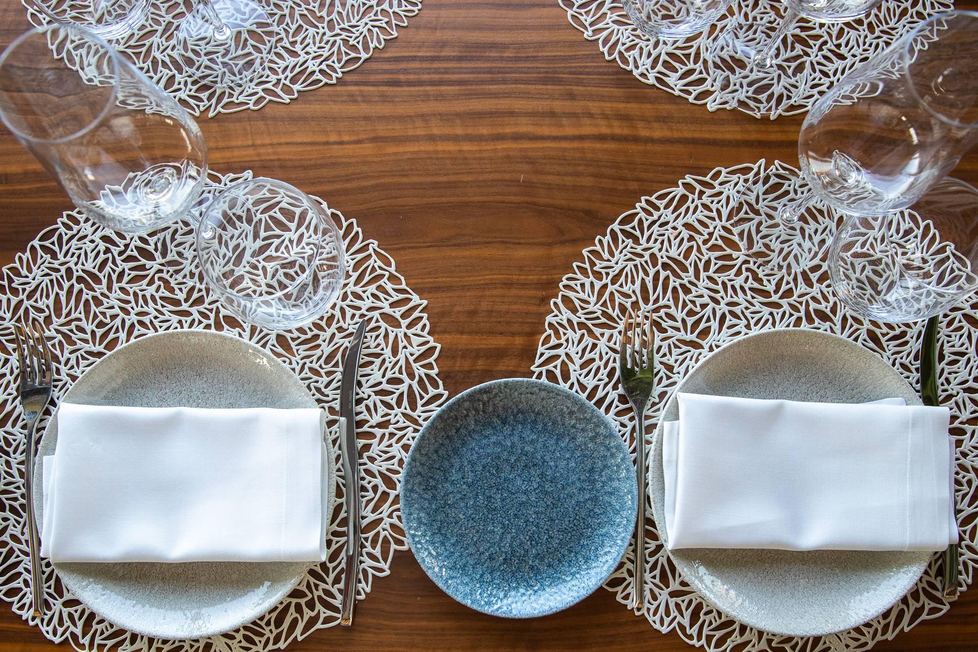 Las cuidadas mesas del 'Botania', para clientes y visitantes.