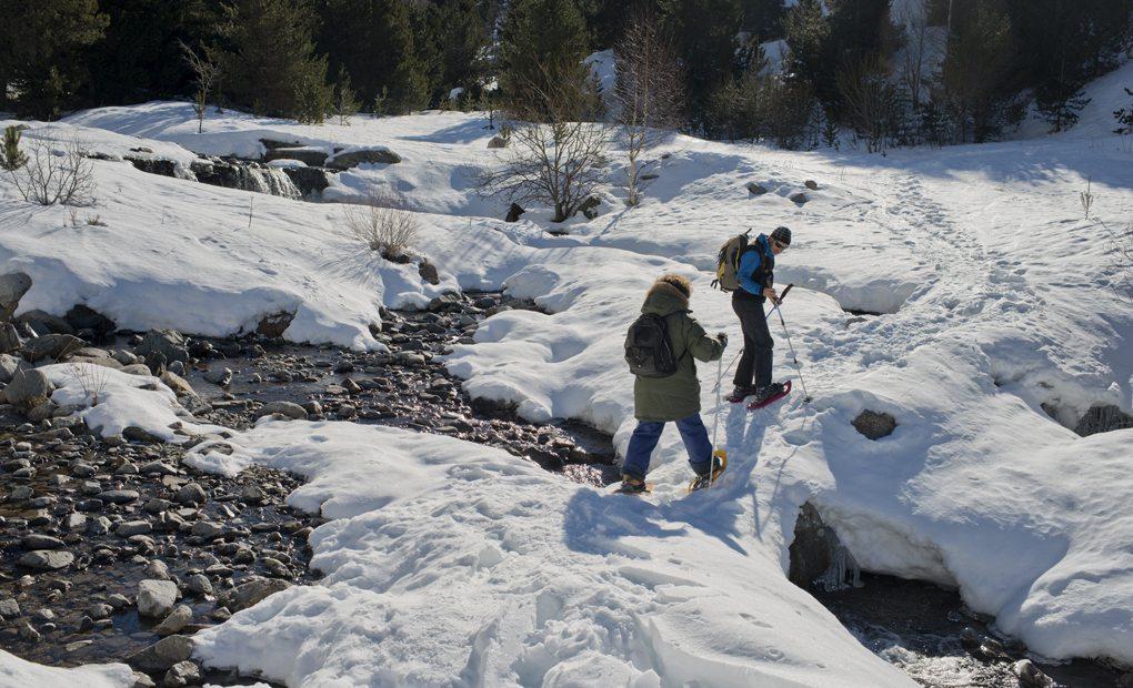 Cruzando la Vall de Sant Martí, que no se congela ni con la peor nevada
