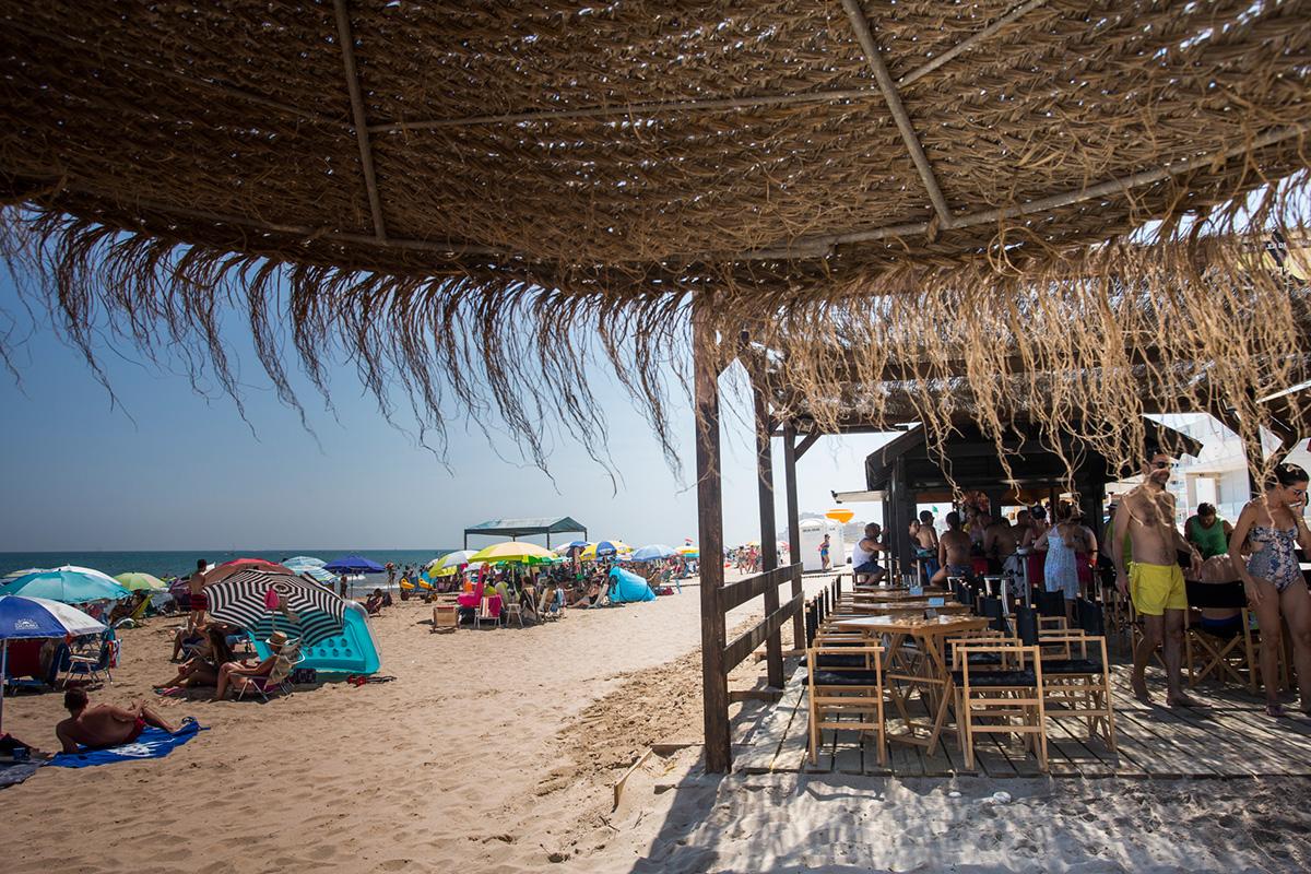 En verano, el restaurante abre el 'Lounge', perfecto para comer en la playa.