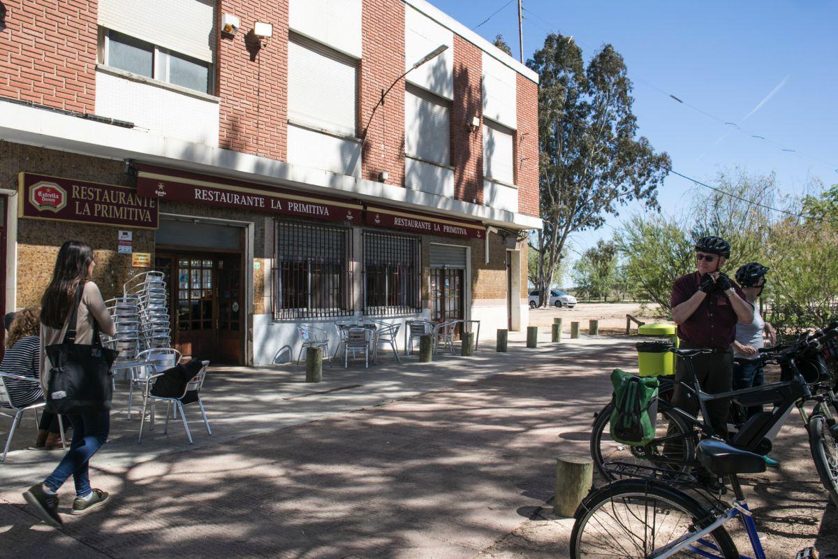 Vista del exterior del restaurante La Primitiva, en Catarroja, Valencia.