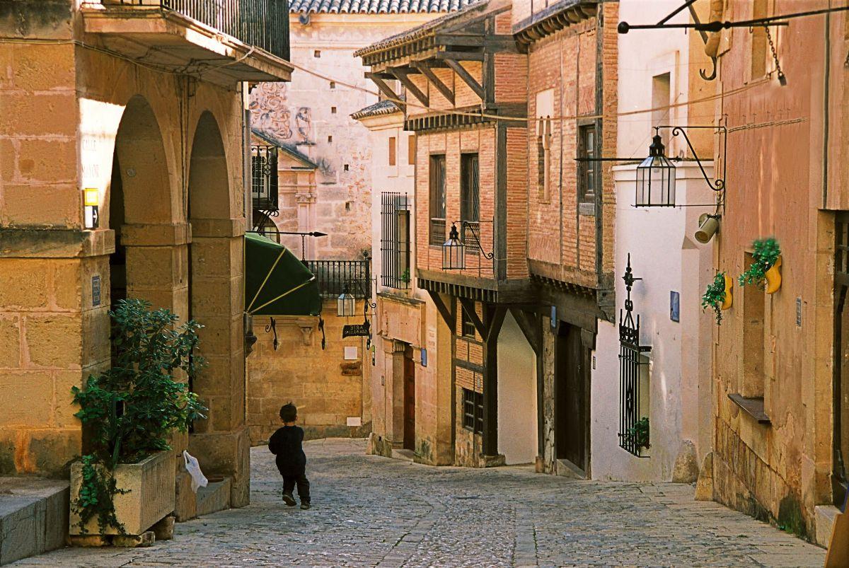 Un paseo a primera hora por el centro histórico. Foto: Shutterstock.