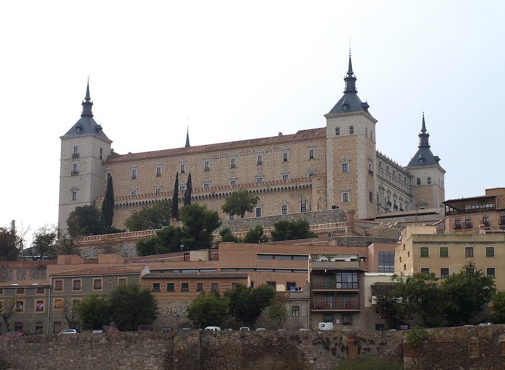 En la última planta del Alcázar, leer es una maravilla. Foto: Biblioteca pública de Castilla-La Mancha.