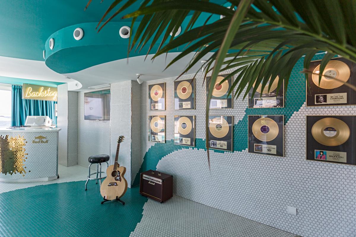 Lobby del hotel El Dorado (Ibiza).