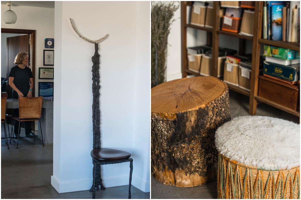 La silla modernista que la pareja compró en Praga. Y los serijos junto a los troncos que recuerdan el aliso.
