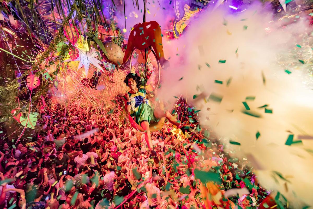 La fiesta ElRow en 'Amnesia' apuesta por decorado y diversión. Foto: Amnesia.