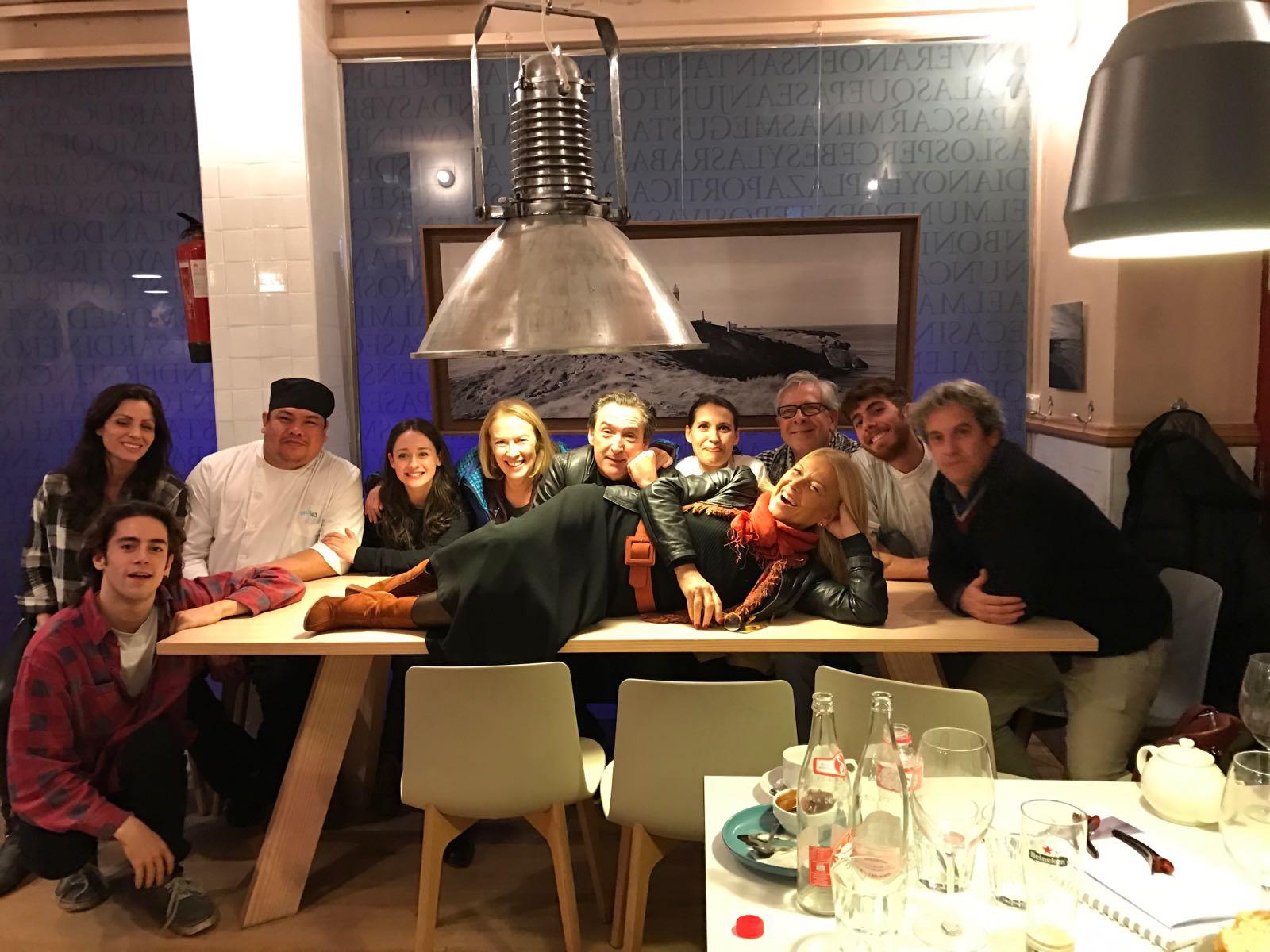 En el restaurante 'Costa 43' (Santander) con el equipo de 'La Verdad'. Foto cedida.