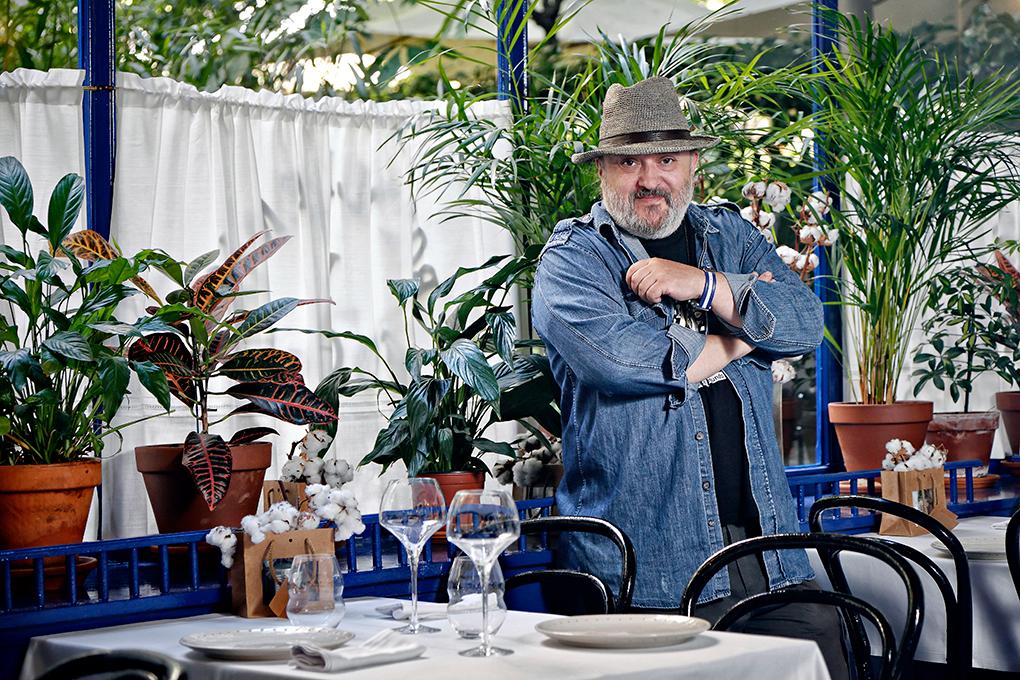 Sacha en su restaurante homónimo. Foto: Roberto Ranero.