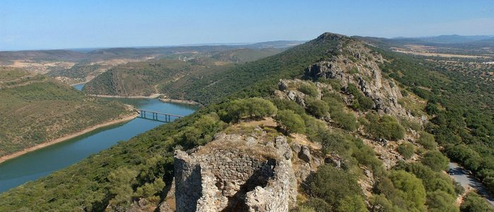 Vista desde el castillo del Parque Nacional de Monfragüe.