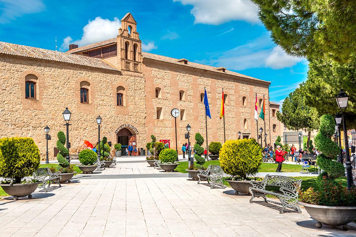 El Palacio de Pedro I, protagonista de estas fiestas, en Torrijos. Foto: Shutterstock.