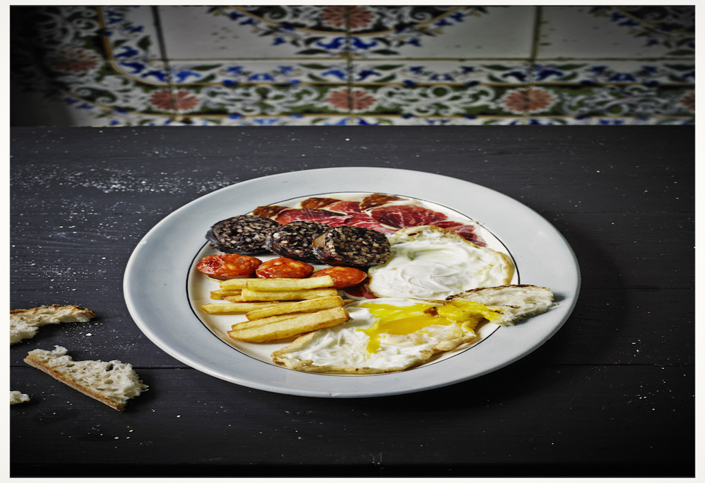 Huevos fritos eco con nocturnidad y alevosía de La Carmencita. Foto: Pablo Zamora (La Carmencita).