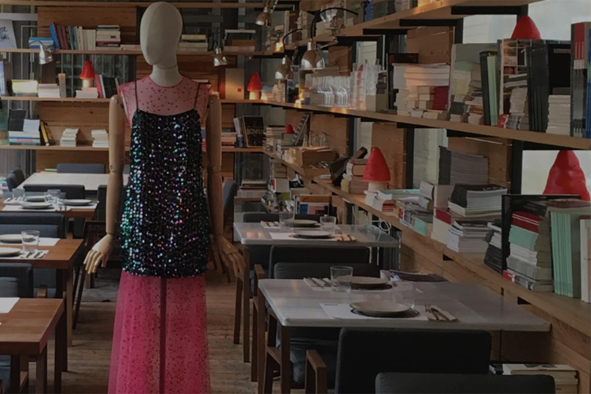 El restaurante 'Bosco de Lobos' ofrece un menú diseñado por Miguel Marinero. Foto: Madrid es Moda.