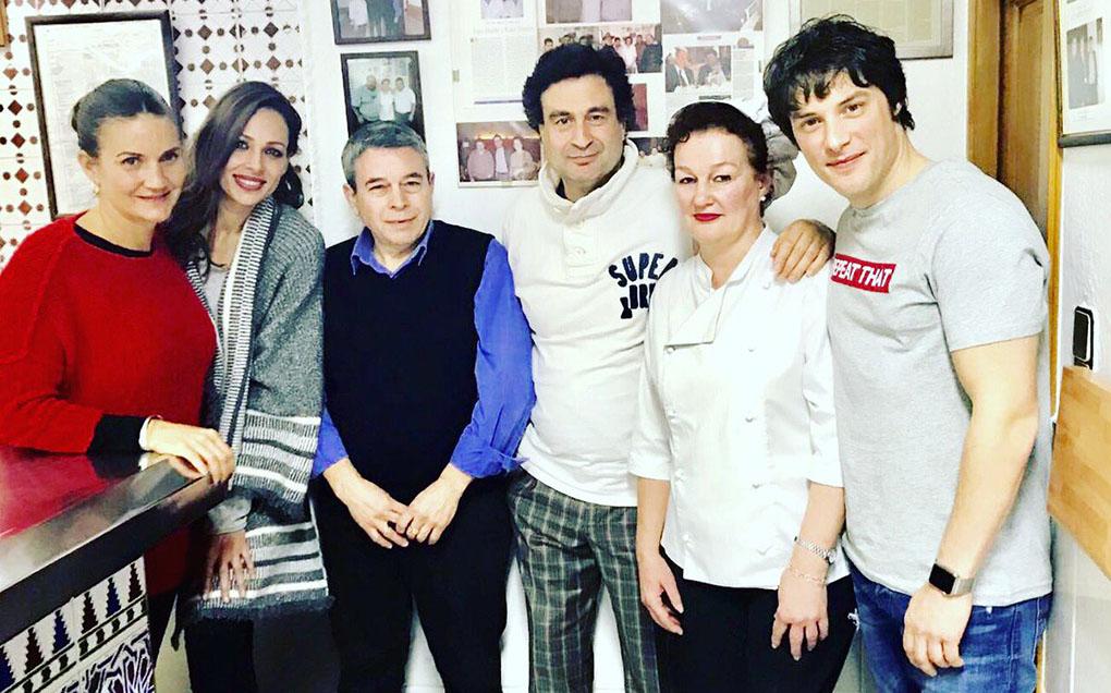 El equipo de 'MasterChef' en el restaurante FM de Granada. Foto: FM de Granada.