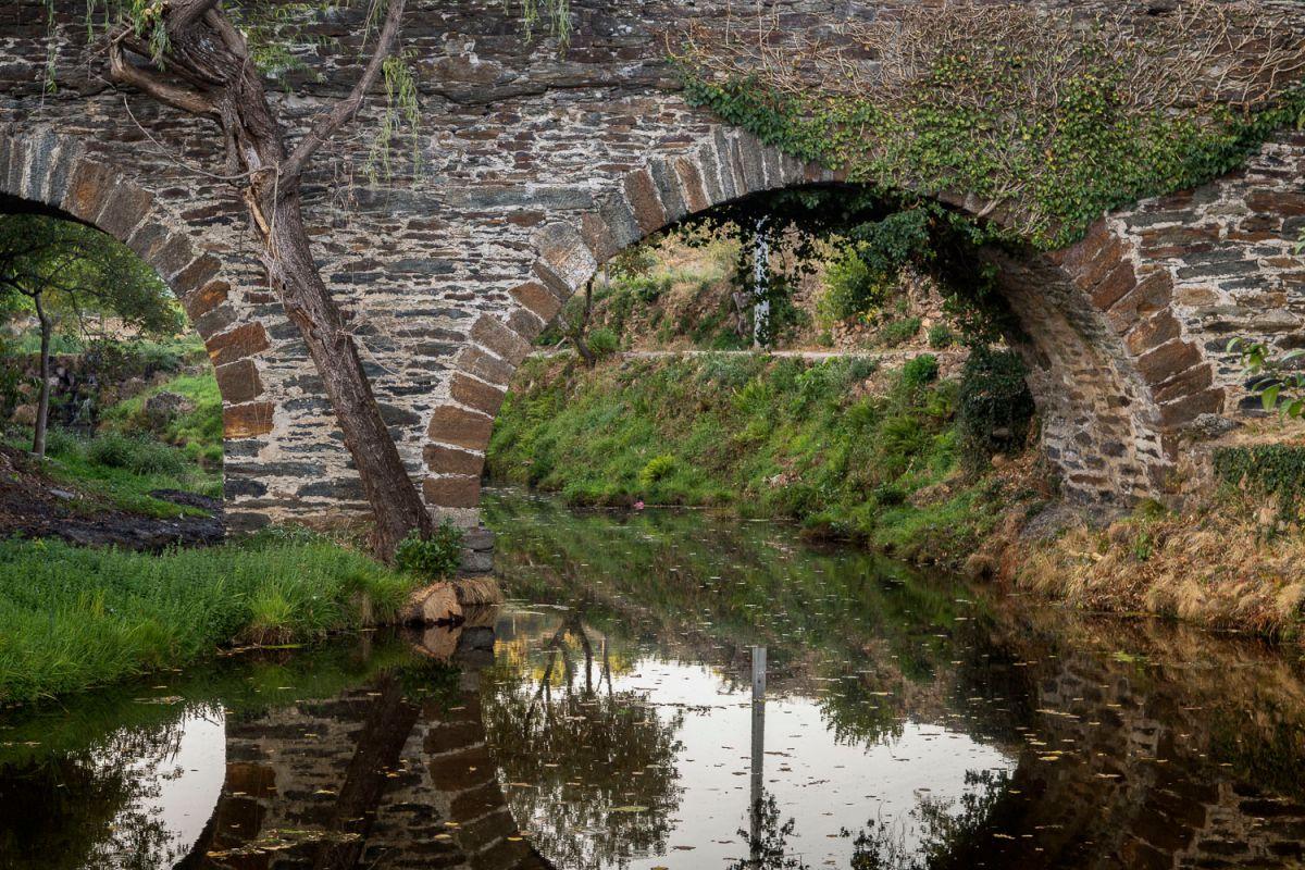 El río de honor o río Comtensa, frontera entre Riohonor de Castilla y Rio de Onor de Portugal. Foto: Manuel Ruiz Toribio