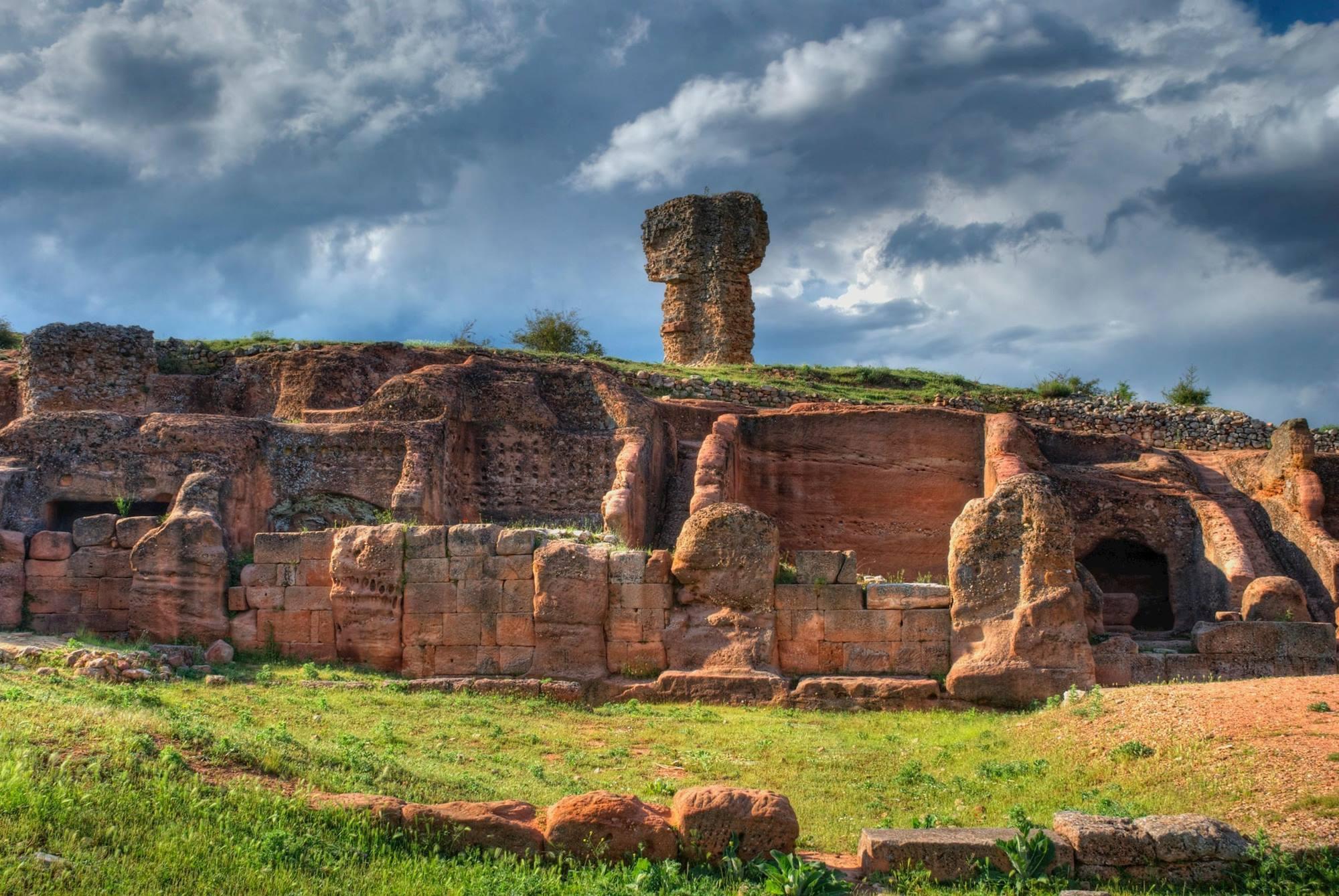 """La ciudad roja de Montejo de Tiermes, para algunos """"la Pompeya soriana"""". Foto: Agestock."""