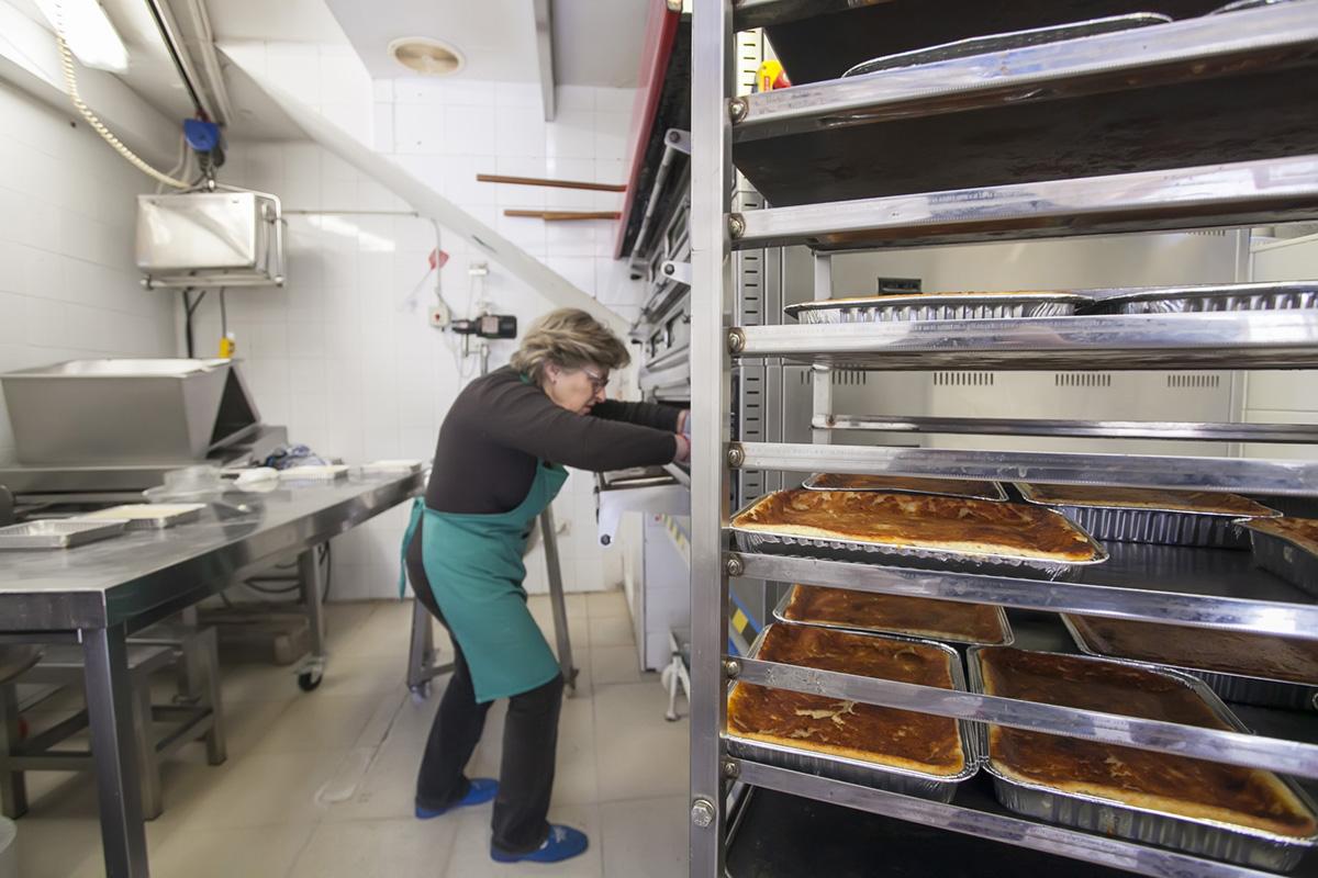 El horno de 'La Zapita' es más moderno, pero no roba sabor al resultado.