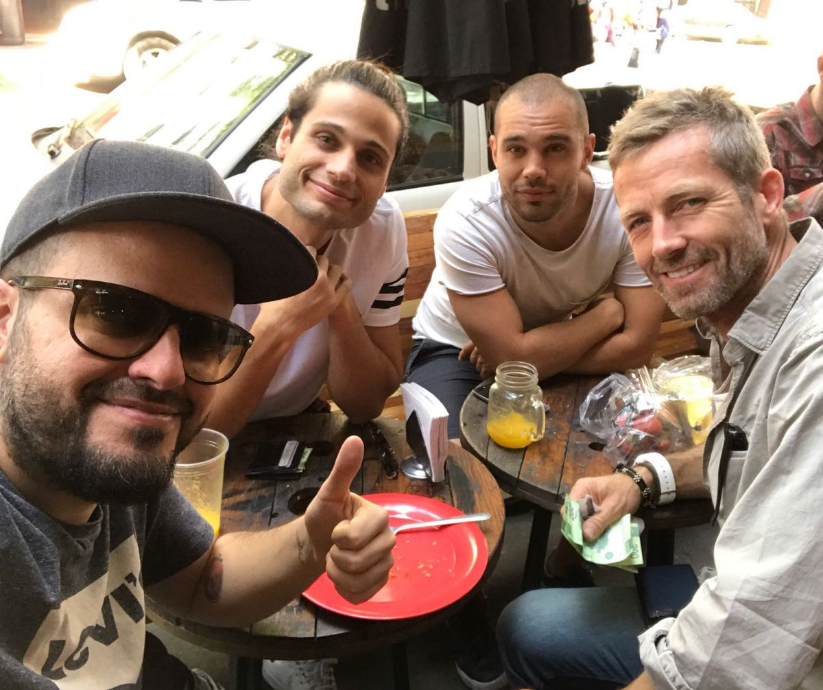 De cañas con buenos amigos. Foto: Instagram