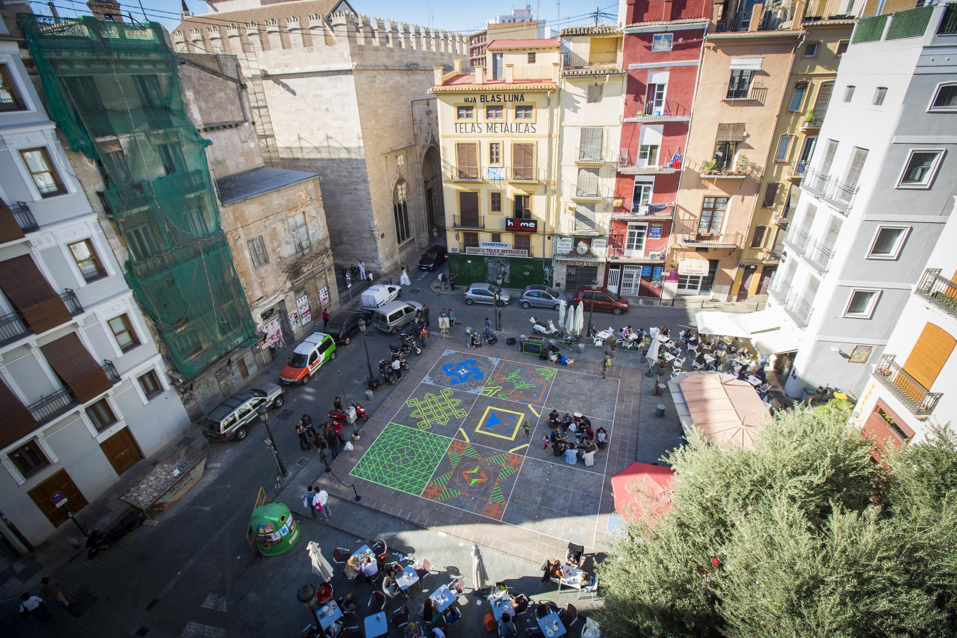 El joven Colectivo TAV hace de las plazas una obra de arte en sí misma.