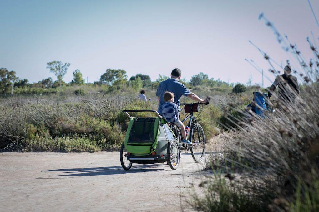Por Riumar, en el Delta del Ebro, en familia. Foto: Pekebikers.