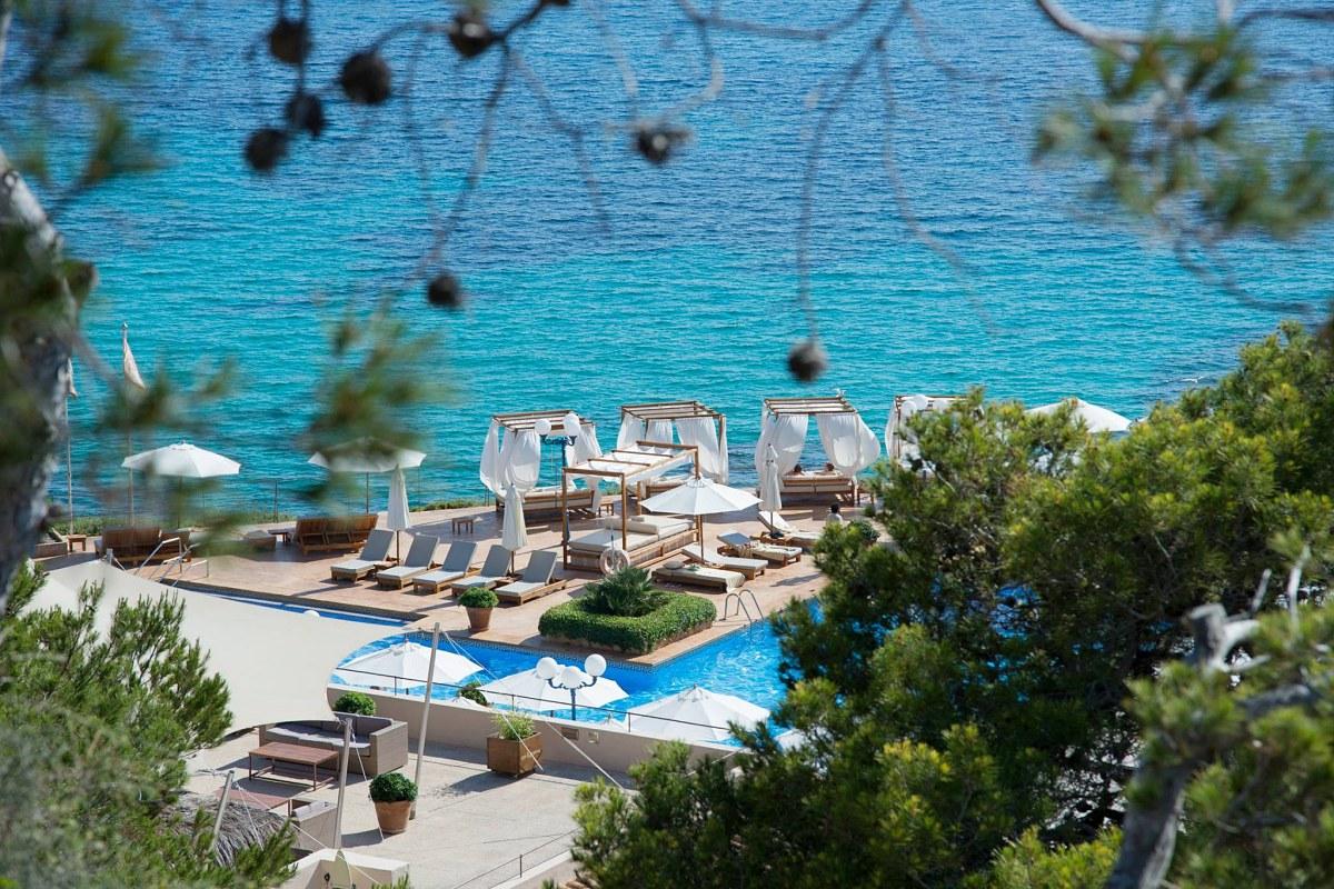 'Mhares Sea Club' se encuentra al filo de un acantilado. Las vistas son inmejorables. Foto: Facebook.