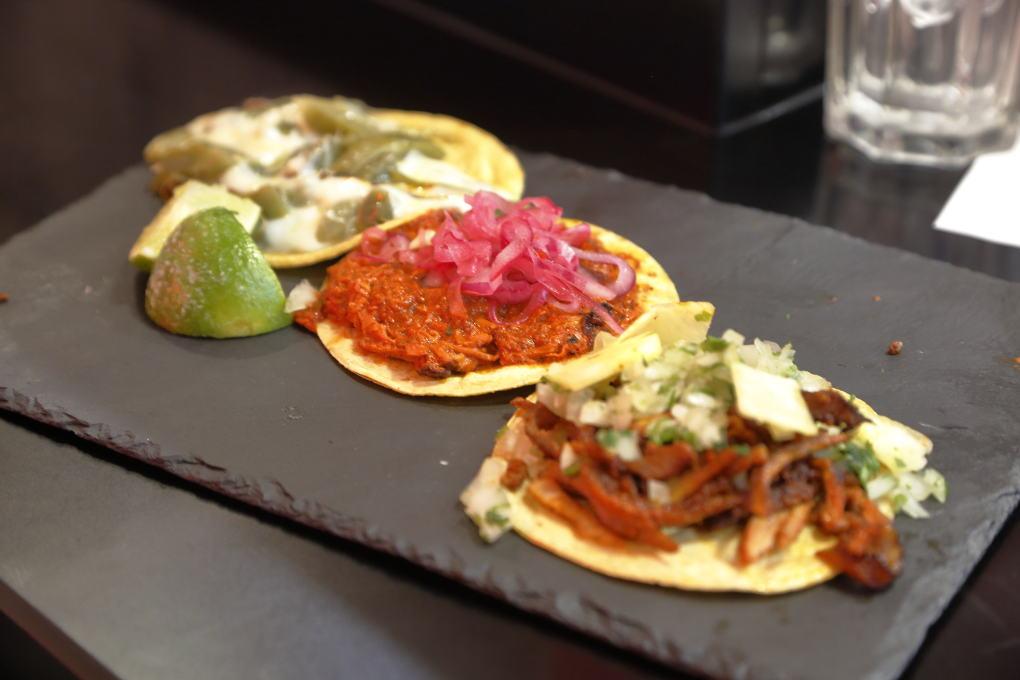 Posiblemente de los mejores tacos de Madrid, a unos precios para repetir y bien servidos