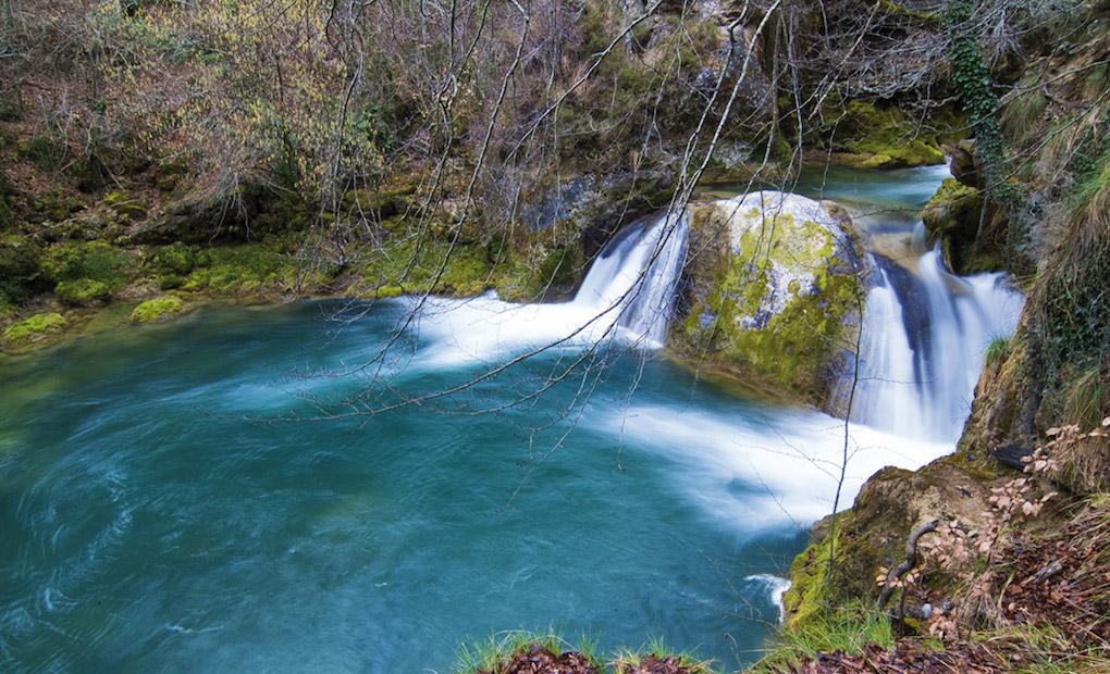 Río Urederra en la Sierra de Urbasa