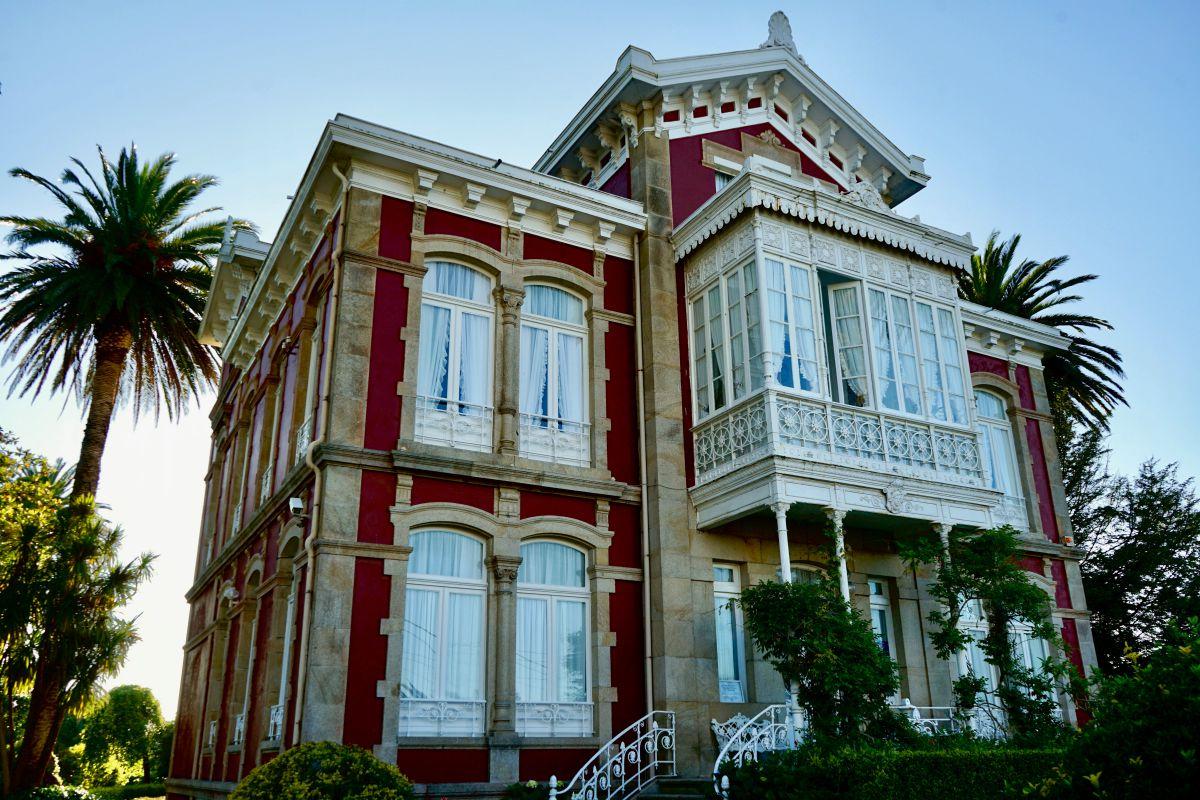 Vista del hotel Villa Argentina, en Luarca, Asturias.