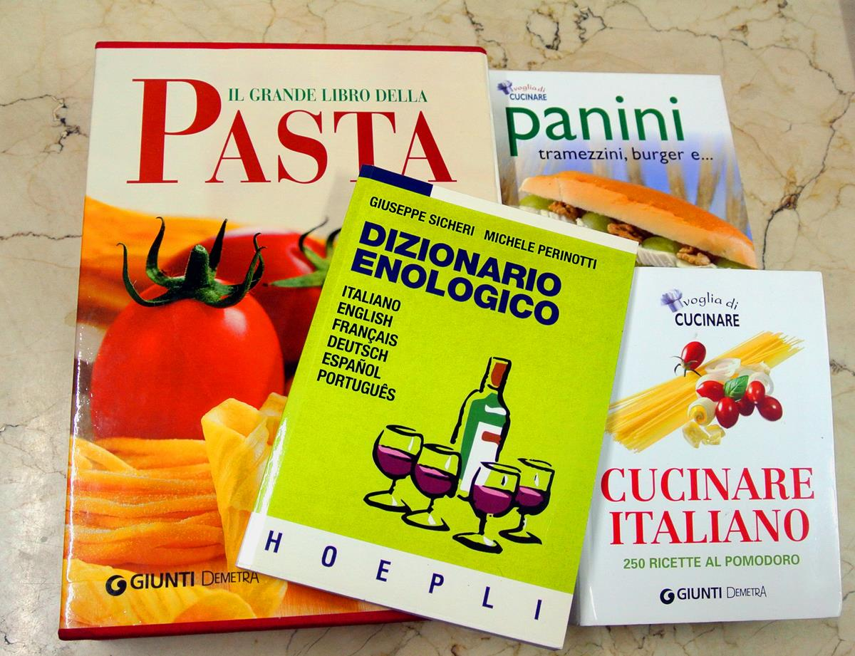 ¿Libros para regalar? Los tienes todos en la Librería Italiana.