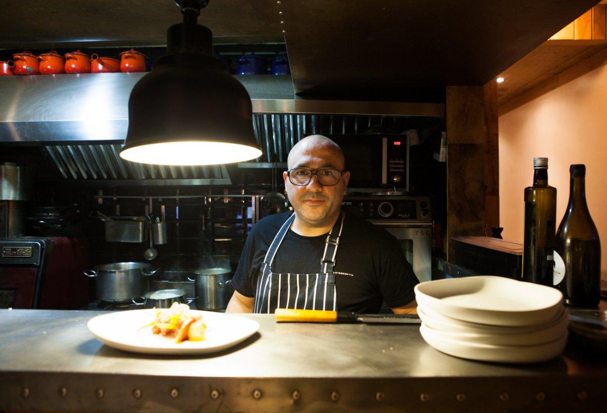 Restaurante Bistronómika: el chef Carlos Portillo