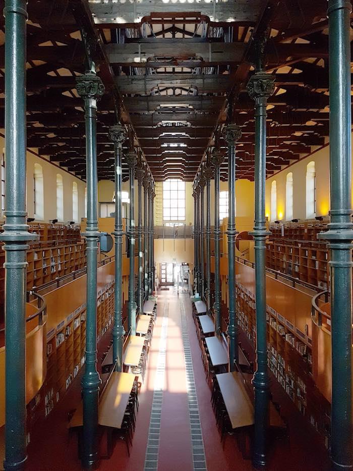La estructura de hierro es imponente. Foto: Biblioteca Pública Ricardo Magdalena.