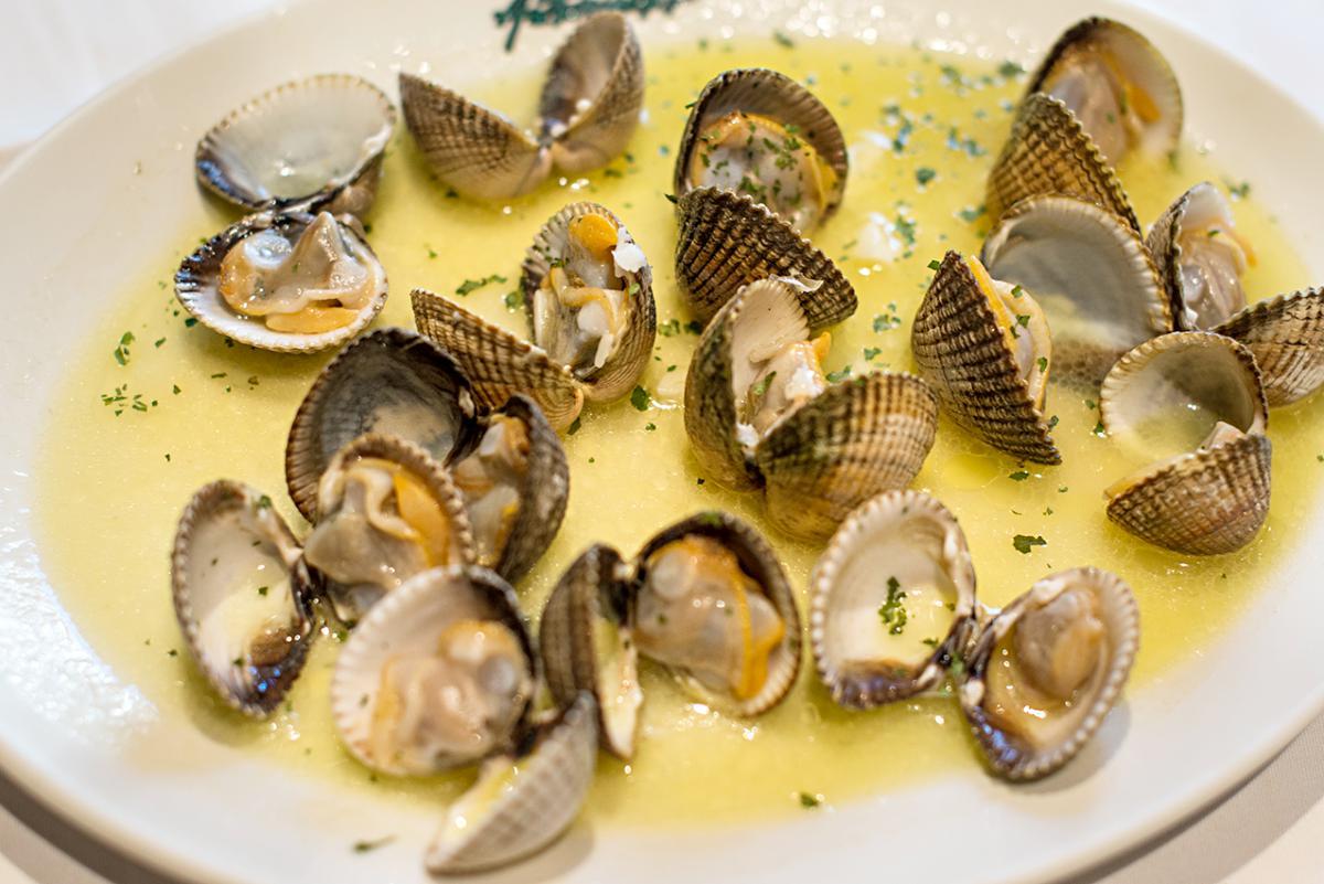Restaurante Asturianos. Berberechos. Foto: Alfredo Cáliz