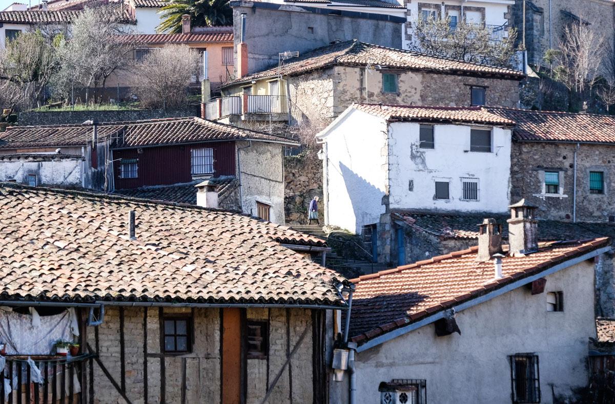 La arquitectura del pueblo, humilde pero pensada para el clima de la zona.
