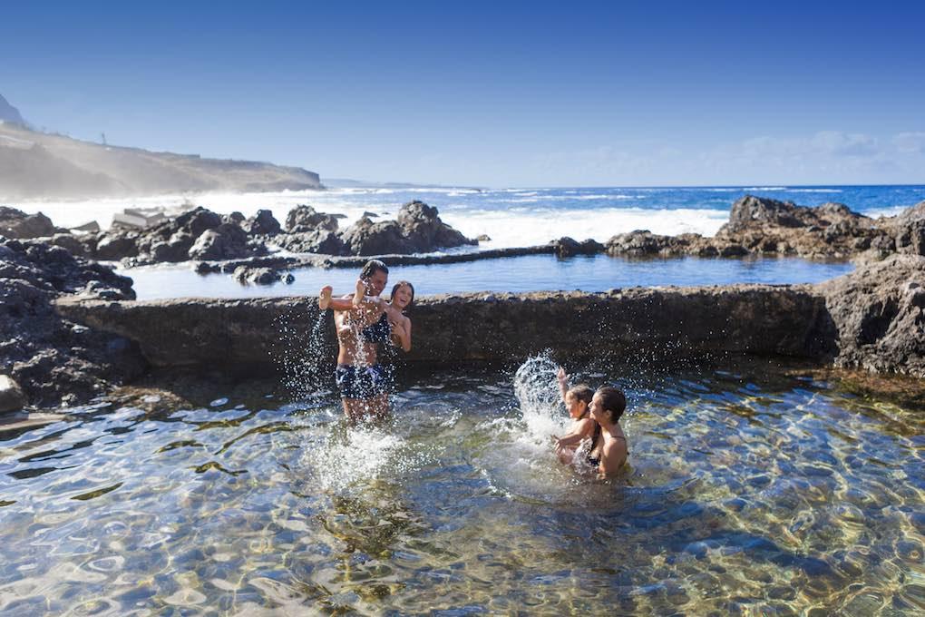 ¿Apetece un bañito en la piscina del Caletón? Foto: Turismo de Tenerife.