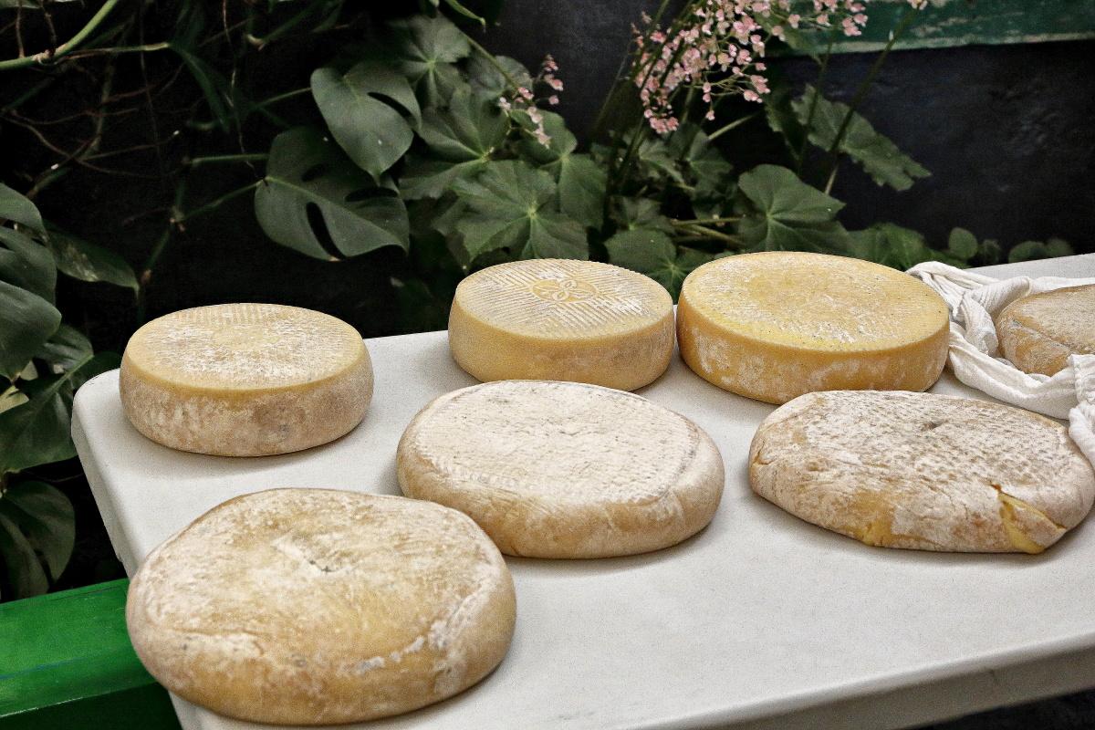 Las tortas de Flor de Guía que elaboran Benedicta y Cristóbal pesan alrededor de los 3 kilogramos.