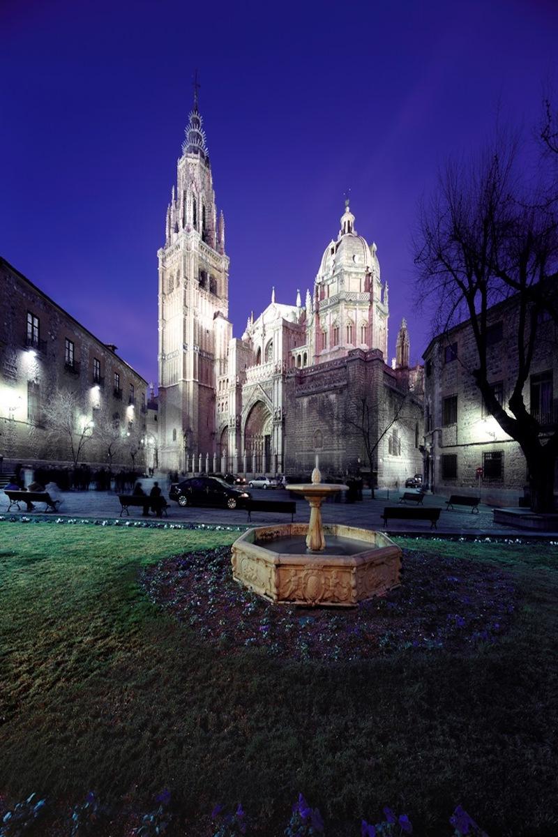 Catedral y Plaza del Ayuntamiento. Foto: Patronato Municipal de Turismo de Toledo.
