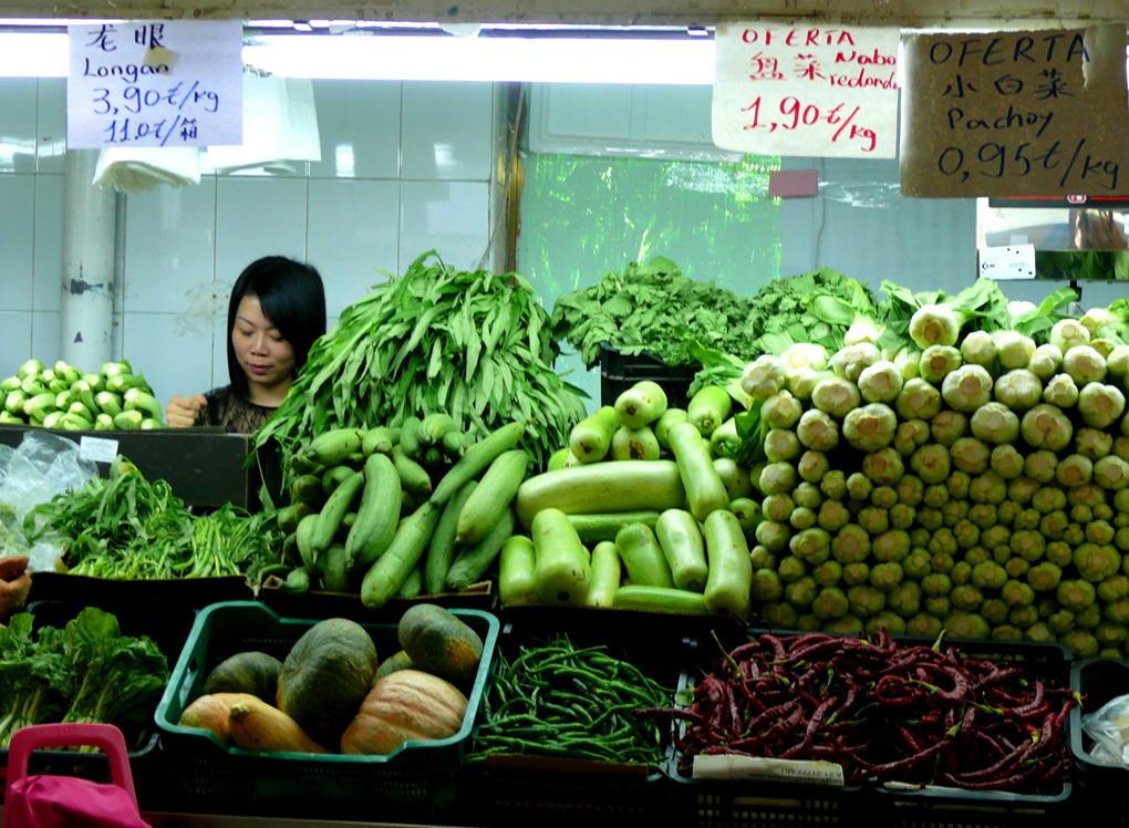 Un puesto tradicional en el Mercado de los Mostenses. Foto: Flickr /Jorge Guitián Castromil (derechos cedidos a Guiarepsol.com).